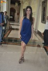 Kareena-Kapoor-Sony-Blue-dress-2